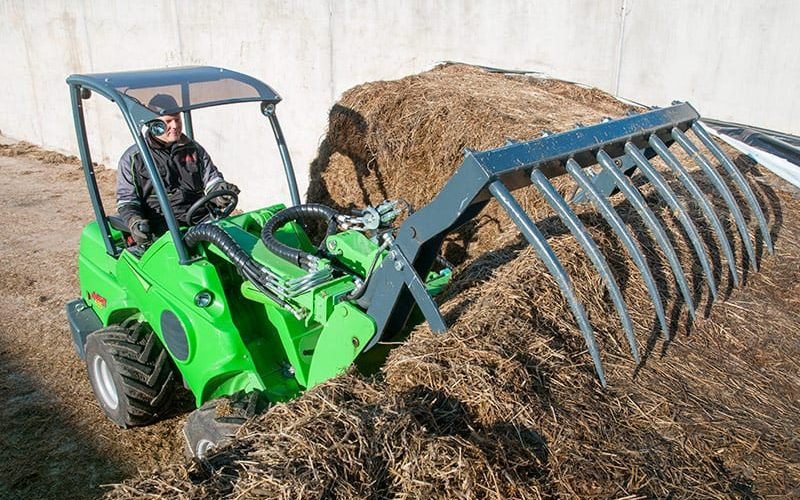 Avant Articulated Loader 600 Series W/ XL Silage Grab Attachment