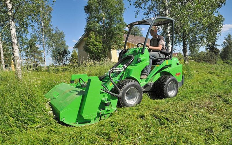 Avant 635 Articulated Loader W/ Flail mower